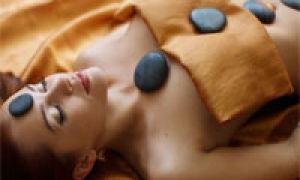 Cum se face masajul cu pietre calde