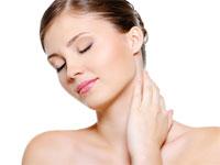 Îngrijirea potrivită pentru gât și decolteu